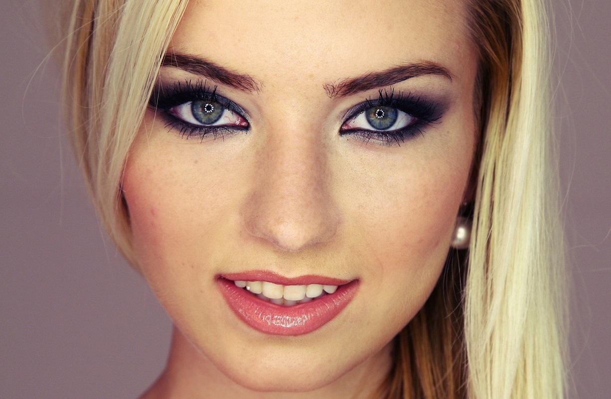 How Do You Do Green Eye Makeup 2