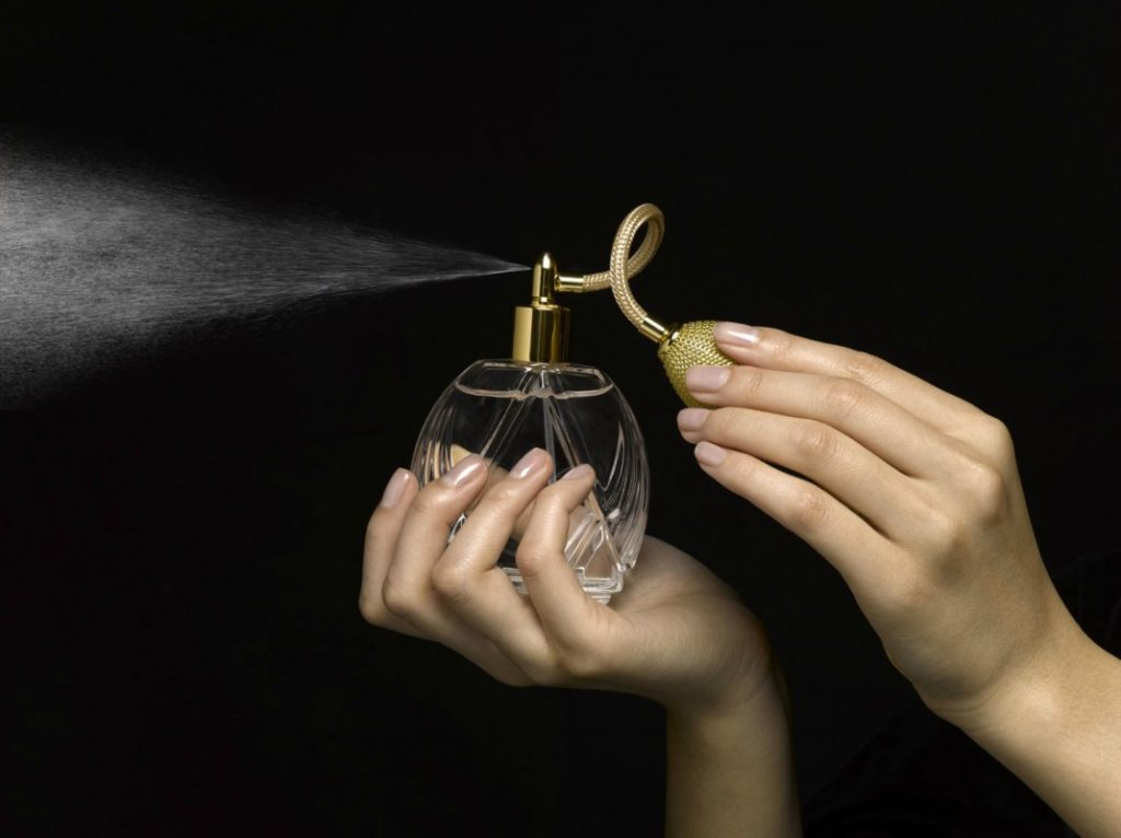 The Perfume Buying Guide That You Must Have When Shopping For Fragrances 2